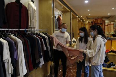柘荣僧服行业市场逐步回暖