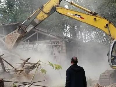 寿宁大安:拆除危旧房屋