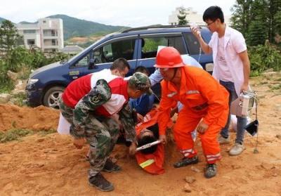 周宁开展防汛、地质灾害救援暨反恐综合应急演练