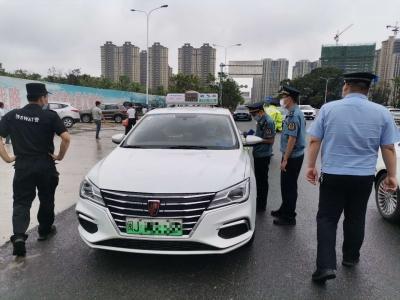 东侨开展规范出租车经营行为专项整治行动