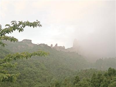 【知乎者也】阮以敏:湿漉漉的太姥山