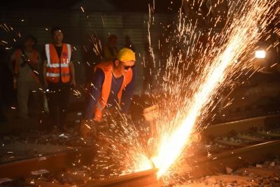 400人凌晨勠战!衢宁铁路接入宁德动车站施工再进一步