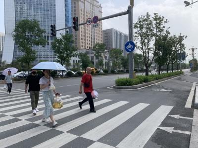 """补短板提""""颜值"""",市政改善让生活环境更宜居"""