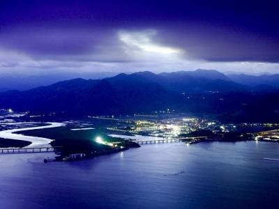 霞浦牙城湾:暮色苍茫云海间