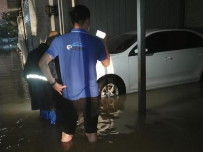 宁德城区暴雨发生内涝 不少车辆遭浸泡  你得到理赔了吗?
