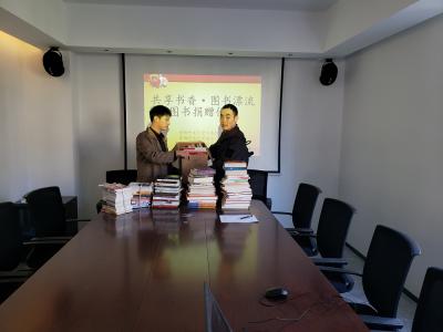 在东侨这个地方,3000余册图书漂流传递,让书香四溢……