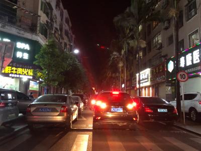 宁德新闻黑榜   市区薛令之路乱停车、占用公共资源现象严重
